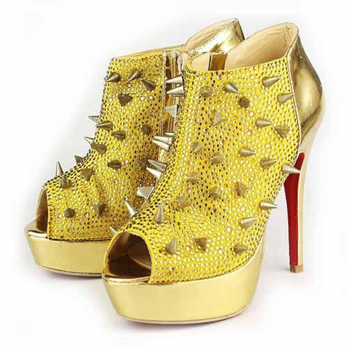 paire de chaussure louboutin prix